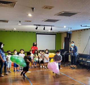섬기는 한국학교(교장 안선홍)는 지난 18일 제3회 추석 잔치 및 제1회 가을 운동회를 개최했다.