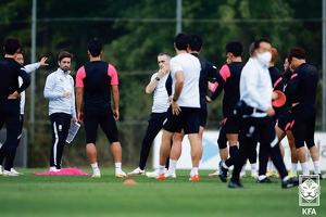 한국축구 월드컵 대표팀이 5일 파주 NFC에서 훈련하고 있다. [대한축구협회 제공]