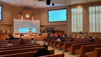 애틀랜타 복음화대회를 위한 3차 준비기도회에서 이제선 목사의 인도로 합심기도를 하고 있다.
