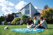 이미 가정을 꾸리고 일부는 중년기에 접어든 밀레니엄 세대가 최근 활발한 주택 구입 활동에 나서고 있다.     <로이터>
