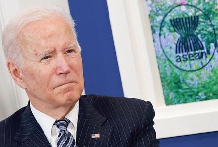 조 바이든 대통령이 26일 백악관에서 화상으로 아세안 회의에 참석하고 있다. [로이터]