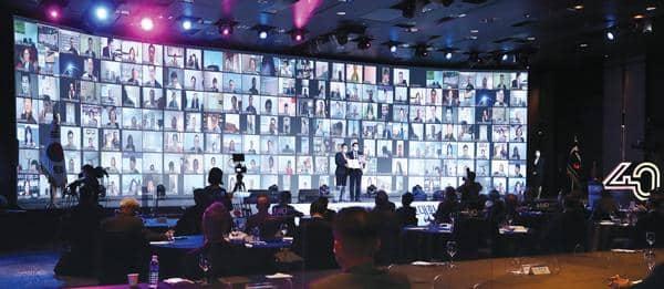 제 25차 세계한인경제인대회가 12일(한국시간) 1,000여명이 온·오프라인으로 참석한 가운데 진행되고 있다. [연합]